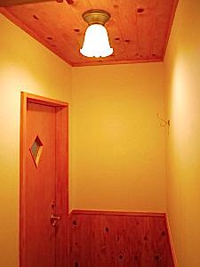 フェイクな板張風ドア3
