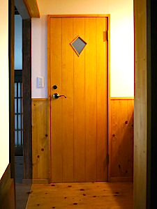 フェイクな板張風ドア2