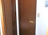 開きドアを折れ戸3